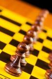 Έννοια σκακιού με τα κομμάτια Στοκ φωτογραφία με δικαίωμα ελεύθερης χρήσης