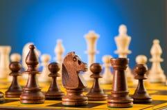 Έννοια σκακιού με τα κομμάτια Στοκ Φωτογραφία