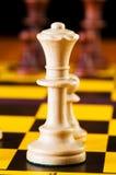 Έννοια σκακιού με τα κομμάτια Στοκ Φωτογραφίες