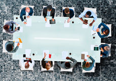 Έννοια στρατηγικής συζήτησης συνεδρίασης των δωματίων πινάκων επιχειρησιακής ομάδας Στοκ Εικόνα