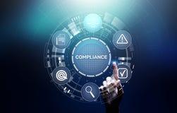 Έννοια συμμόρφωσης με τα εικονίδια και το κείμενο Κανονισμοί, νόμος, πρότυπα, απαιτήσεις, διάγραμμα λογιστικού ελέγχου σχετικά με απεικόνιση αποθεμάτων