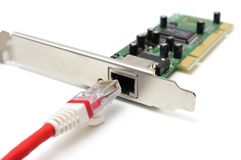 Έννοια συνδετικότητας problerm με το καλώδιο του τοπικού LAN & την κάρτα δικτύων Στοκ Εικόνες