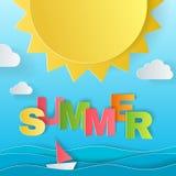 Έννοια σχεδίου της αφίσας καλοκαιρινών διακοπών Ήλιος, θάλασσα, σκάφος και ζωηρόχρωμες επιστολές από την τέχνη εγγράφου origami κ Στοκ Εικόνες