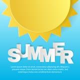 Έννοια σχεδίου της αφίσας καλοκαιρινών διακοπών Ήλιος και επιστολές από την τέχνη εγγράφου origami και το ύφος τεχνών Στοκ Εικόνες