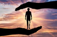 Έννοια της ενίσχυσης και της προσοχής για τα άτομα με ειδικές ανάγκες με ένα προσθετικό πόδι Στοκ φωτογραφία με δικαίωμα ελεύθερης χρήσης