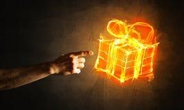 Έννοια του εορτασμού με την καίγοντας χειρονομία συμβόλων και δημιουργιών δώρων πυρκαγιάς Στοκ εικόνα με δικαίωμα ελεύθερης χρήσης