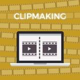 Έννοια του κινηματογράφου που κάνει τη στιγμή εργασίας κίτρινο υπόβαθρο με το μήκος σε πόδηα Στοκ εικόνες με δικαίωμα ελεύθερης χρήσης