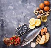 Έννοια τροφίμων αλλεργίας Ανάμεικτος των αλλεργικών προϊόντων Στοκ φωτογραφία με δικαίωμα ελεύθερης χρήσης
