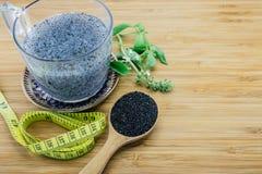 Έννοια των ζελατινούχων σπόρων βασιλικού για την απώλεια διατροφής και βάρους Στοκ Φωτογραφίες