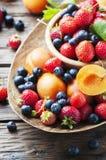Έννοια των θερινών υγιών τροφίμων με τη φράουλα, το βακκίνιο και το AP Στοκ εικόνες με δικαίωμα ελεύθερης χρήσης