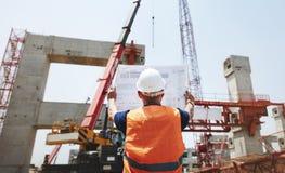 Έννοια υπεύθυνων για την ανάπτυξη κατασκευαστών προγραμματισμού εργατών οικοδομών Στοκ Φωτογραφίες