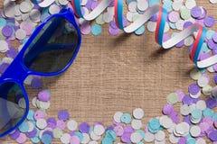 Έννοια υποβάθρου κομμάτων Carnaval Διάστημα για το κείμενο, copyspace Κοβάλτιο Στοκ Εικόνα