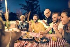 Έννοια υπολοίπου παραλιών χαλάρωσης ανθρώπων Στοκ φωτογραφίες με δικαίωμα ελεύθερης χρήσης