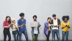Έννοια φίλων επικοινωνίας 'brainstorming' ομιλίας στοκ εικόνες