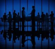 Έννοια χαιρετισμού χειραψιών συζήτησης συνεδρίασης των επιχειρηματιών Στοκ Εικόνα