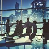 Έννοια χαιρετισμού χειραψιών συζήτησης συνεδρίασης των επιχειρηματιών Στοκ Φωτογραφίες