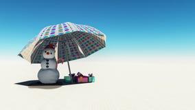Έννοια Χριστουγέννων με το χιονάνθρωπο που λειώνει στην παραλία στοκ εικόνα