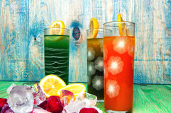 Έννοια χυμών και παγωτού φρούτων στο αφηρημένο υπόβαθρο Στοκ εικόνες με δικαίωμα ελεύθερης χρήσης