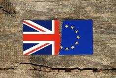 Έννοια Brexit, η μισή από την ΕΕ και σημαίες της Μεγάλης Βρετανίας Στοκ Εικόνες