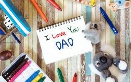 Έννοιες ευχετήριων καρτών ημέρας πατέρων με σ' αγαπώ το κείμενο μπαμπάδων και Στοκ Φωτογραφία