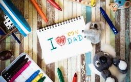 Έννοιες ευχετήριων καρτών ημέρας πατέρων με σ' αγαπώ το κείμενο μπαμπάδων και Στοκ Φωτογραφίες