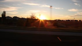 Έντμοντον Αλμπέρτα στα προάστια στο ηλιοβασίλεμα απόθεμα βίντεο