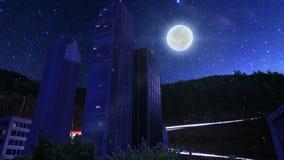 Δέντρα και κτήρια μέσα στο στρογγυλό έδαφος τη νύχτα απόθεμα βίντεο