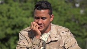 Έντρομος ισπανικός αρσενικός στρατιώτης απόθεμα βίντεο