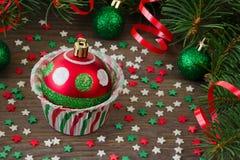 Έντυπο για το cupcake με το παιχνίδι έλατου Χριστουγέννων Στοκ Φωτογραφίες