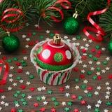 Έντυπο για το cupcake με το παιχνίδι έλατου Χριστουγέννων Στοκ φωτογραφίες με δικαίωμα ελεύθερης χρήσης