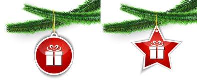 Ένωση ετικετών δώρων Χριστουγέννων στο δέντρο Στοκ Εικόνα