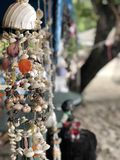 Ένωση της χειροποίητης διακόσμησης των κοχυλιών στην Ταϊλάνδη, θαλάσσ στοκ εικόνες