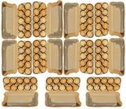 Ένδεκα συσκευασίες χαρτοκιβωτίων δέκα αυγών brovn που απομονώνονται στο λευκό Στοκ φωτογραφίες με δικαίωμα ελεύθερης χρήσης