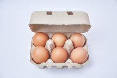 Έξι αυγά στο κιβώτιο εγγράφου Στοκ φωτογραφία με δικαίωμα ελεύθερης χρήσης