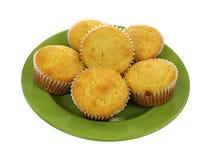 Muffins καλαμποκιού πράσινο πιάτο Στοκ Εικόνα