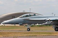 Έξοχα Hornet Ηνωμένου ναυτικού πολλαπλών ρόλων μαχητικά αεροσκάφη του Boeing F/A-18F στοκ εικόνα
