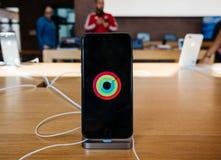 Έξοχο νέο iPhone 8 επίδειξης αμφιβληστροειδών και iPhone 8 συν στη Apple Sto Στοκ εικόνα με δικαίωμα ελεύθερης χρήσης