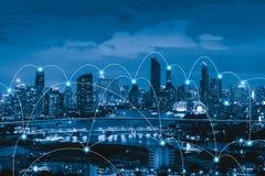 Έξυπνες γραμμές πόλεων και σύνδεσης μπλε έννοια Διαδίκτυο χρώματος ανασκόπησης ελεύθερη απεικόνιση δικαιώματος