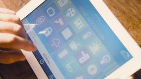 Έξυπνη εγχώρια συσκευή - εγχώριος έλεγχος Στοκ φωτογραφίες με δικαίωμα ελεύθερης χρήσης