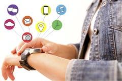 Έξυπνη επίδειξη συσκευών ρολογιών με app τα εικονίδια Έξυπνο ρολόι technolog Στοκ Εικόνες