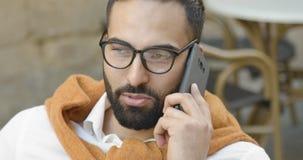Έξυπνος ενήλικος επιχειρηματίας απόθεμα βίντεο