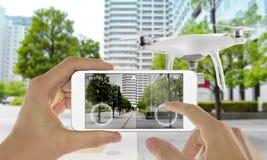 Έξυπνος κηφήνας τηλεφωνικού ελέγχου με app Στοκ Εικόνες