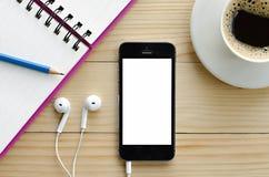 Έξυπνο τηλέφωνο με την άσπρη κενή κενή οθόνη Στοκ εικόνα με δικαίωμα ελεύθερης χρήσης