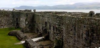 Έπαλξεις του Castle σε Beaumaris Castle στοκ φωτογραφία με δικαίωμα ελεύθερης χρήσης