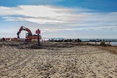 """Έργο υπό κατασκευή για να αντικαταστήσει το """"μακροχρόνιο groyne """"στο κεφάλι Hengistbury στοκ εικόνα με δικαίωμα ελεύθερης χρήσης"""