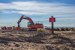 """Έργο υπό κατασκευή για να αντικαταστήσει το """"μακροχρόνιο groyne """"στο κεφάλι Hengistbury στοκ φωτογραφίες με δικαίωμα ελεύθερης χρήσης"""