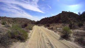 Έρημος Καλιφόρνια Borrego Anza - βρώμικος δρόμος ερήμων απόθεμα βίντεο