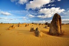 Έρημος πυραμίδων μια ηλιόλουστη ημέρα, δυτική Αυστραλία Στοκ Εικόνες