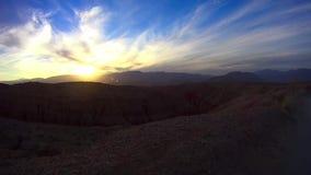 Έρημος πλαϊνή - ηλιοβασίλεμα 4 σημείου πηγών ασβέστιο ερήμων Anza Borrego φιλμ μικρού μήκους