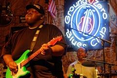 15-έτη παλαιό bluesman σκουμπρί Ingram Christone στο σημείο μηδέν Στοκ Εικόνες